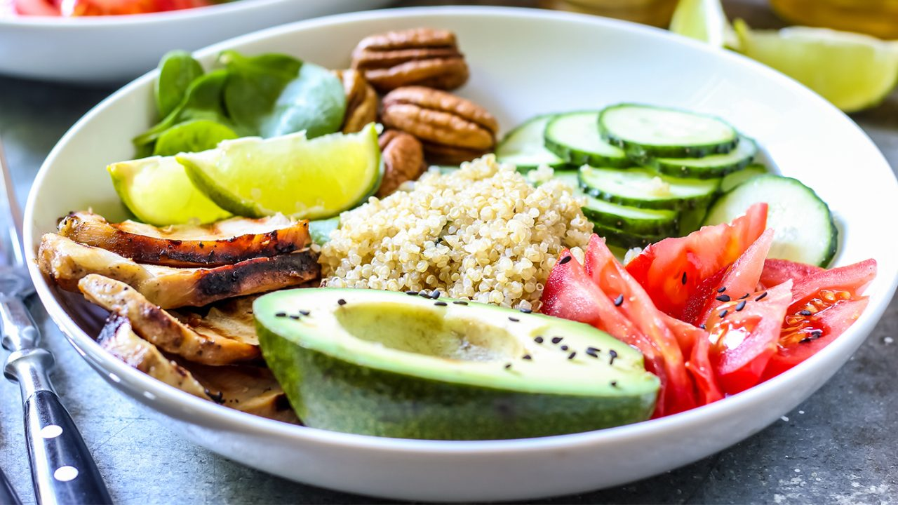 Bowl lunch: Grilled chicken, quinoa, salad and avocado.
