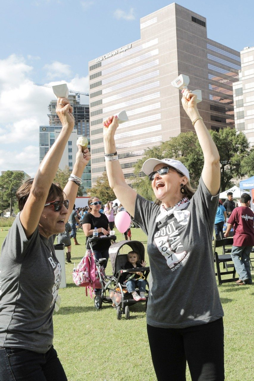 More than 5,000 cancer patients and family members, volunteers, friends, faculty and staff gathered at the Texas Medical Center on Saturday, Nov. 11 to help raise more than $925,000 at MD Anderson's second annual Boot Walk to End Cancer®.
